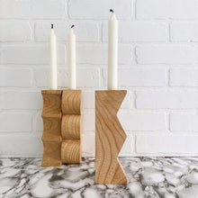 Load image into Gallery viewer, Zig-zag natural chestnut wood candleholder