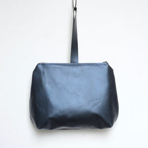 leather dumpling wristlet: midnight blue