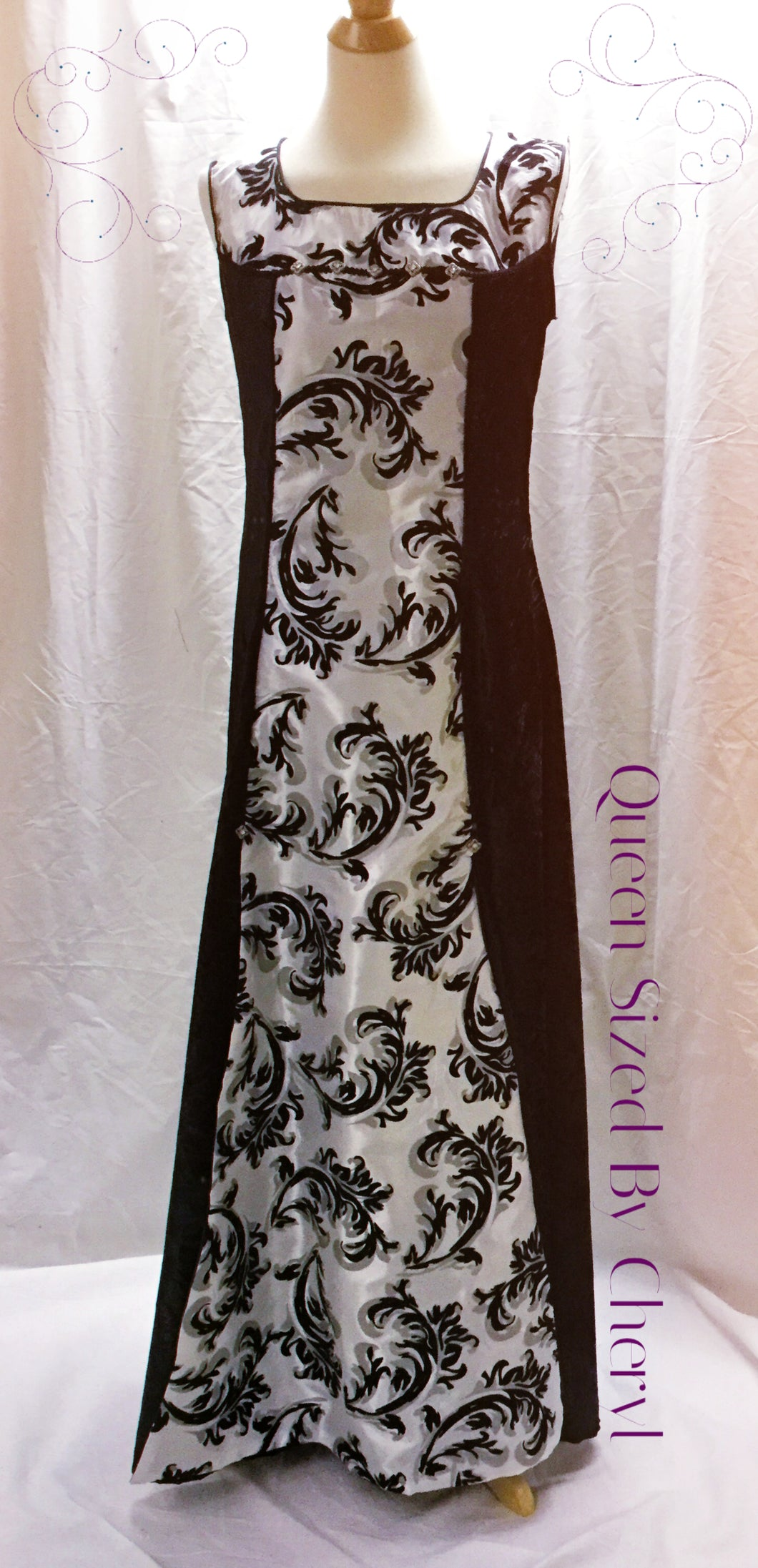 Black and White Velvet Sleeveless Gown