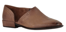 Load image into Gallery viewer, OTBT Coyote Fashion Slip-On Hickory
