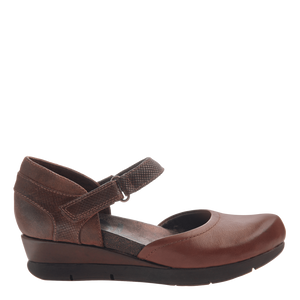 OTBT Companion Mary Jane Wedge Oak