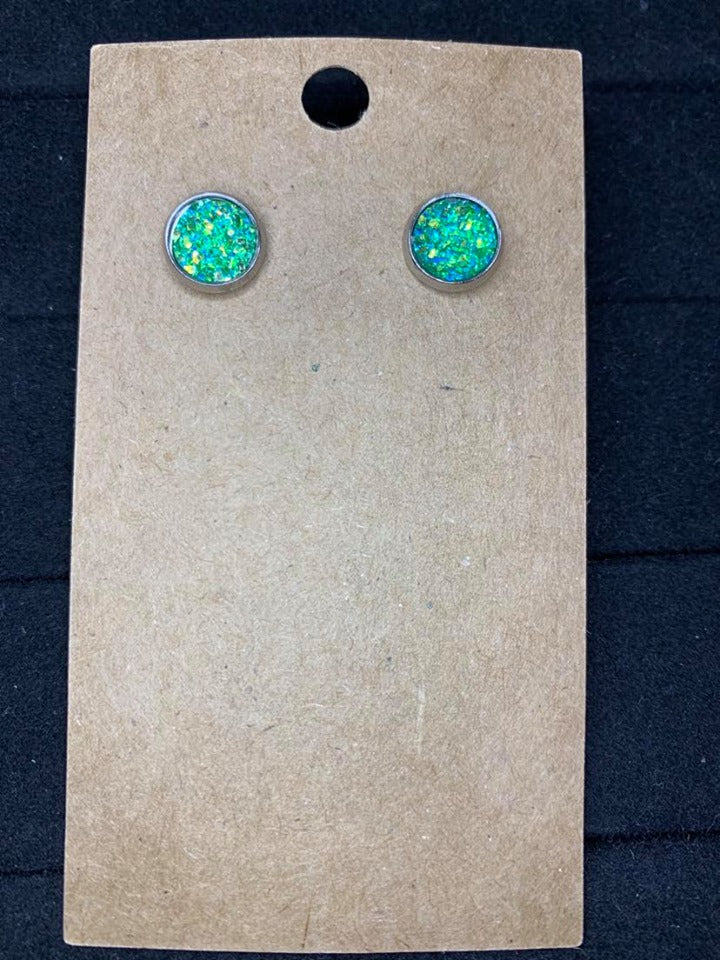 8mm Green sparkle studs