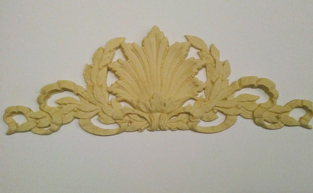 Grand Laurel Wreath with Shell silicone mold