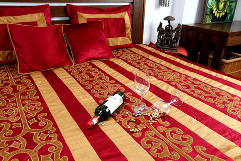 Jodhaa Double bed cover set in Printed Velvet in Burgundy and Brown Applique   11BSTA136