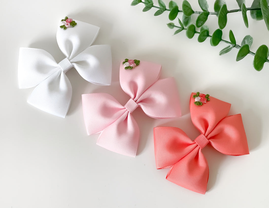 'Primrose' Large Double Pinch Bows