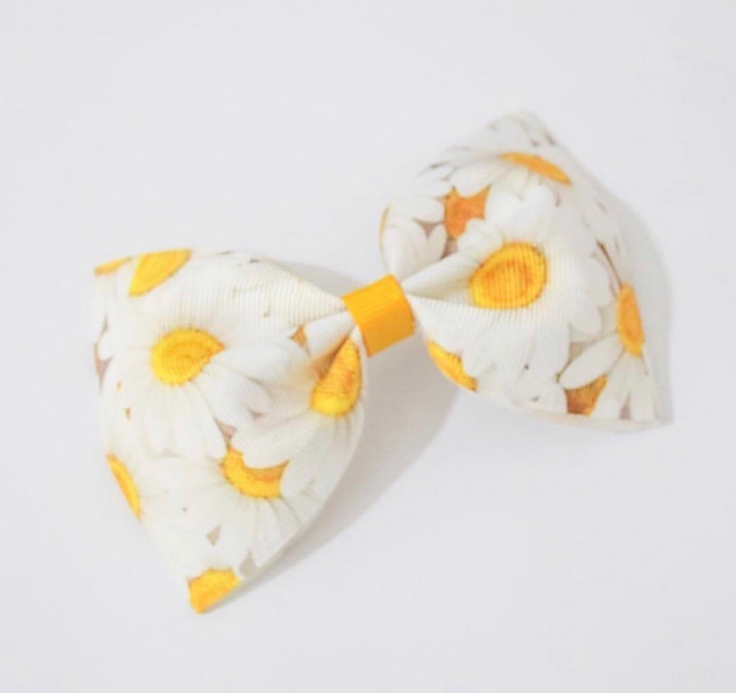 Daisy Print XL Pinch Bow