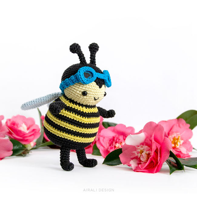 Free Pattern: Burt the Baby Honey Bee – Storyland Amis | 650x650