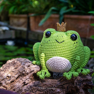 Prince Perry the Amigurumi Frog | PDF Crochet Pattern