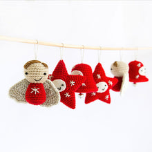 Load image into Gallery viewer, 5 Pointed Star Amigurumi | PDF Crochet Pattern