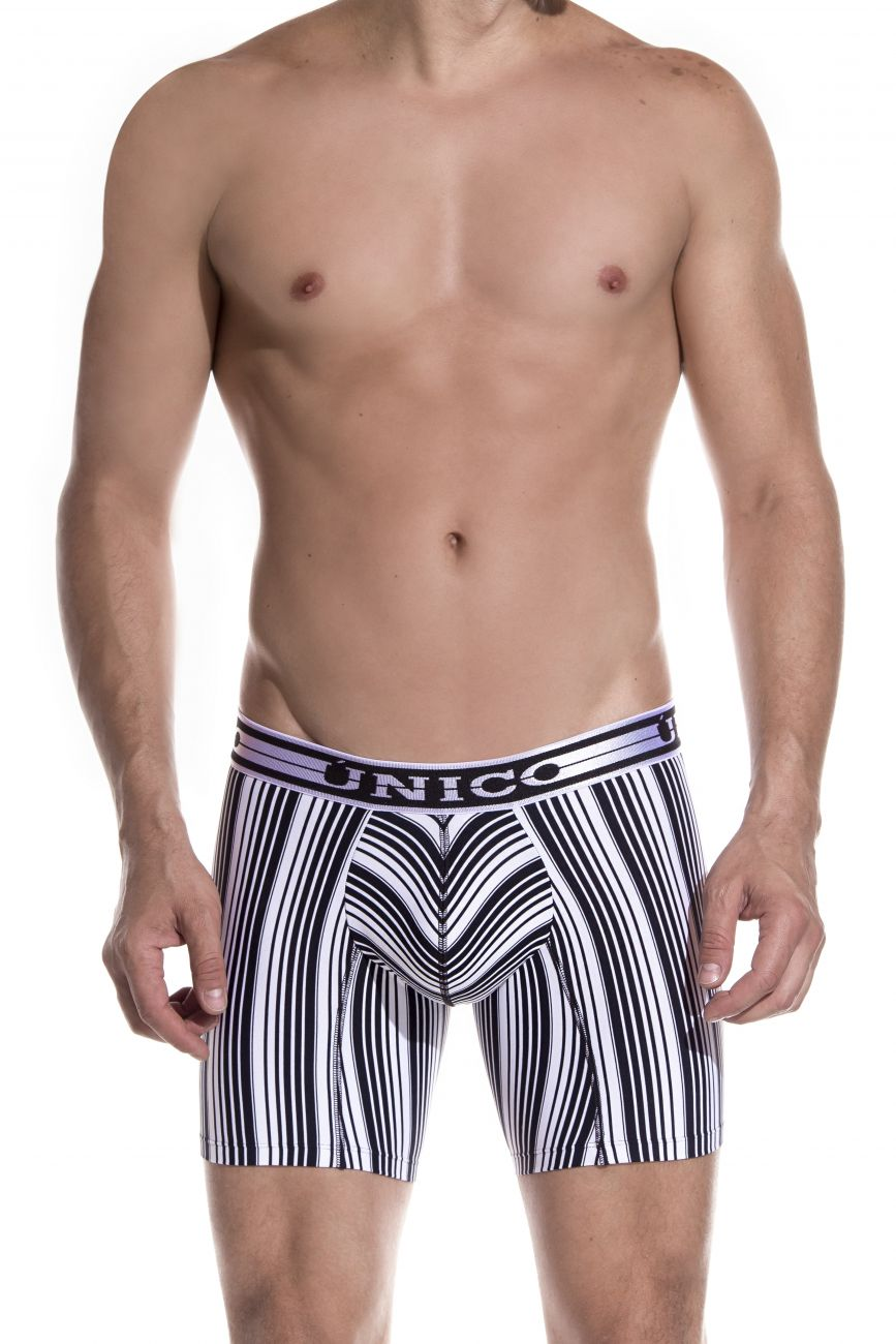 Male underwear model wearing Unico 1902010022552 Boxer Briefs Crossbreed available at www.MensUnderwear.io