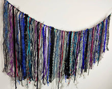 Load image into Gallery viewer, Oil Slick Garland
