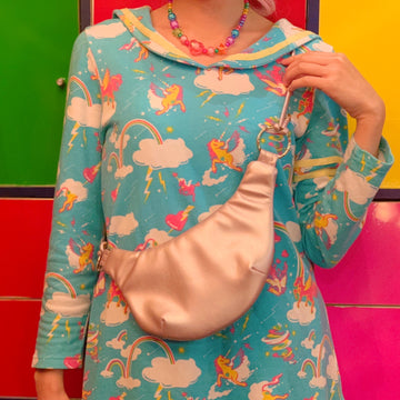 Carry Your Favorite in Stomach Sacoche By Kawaii Company