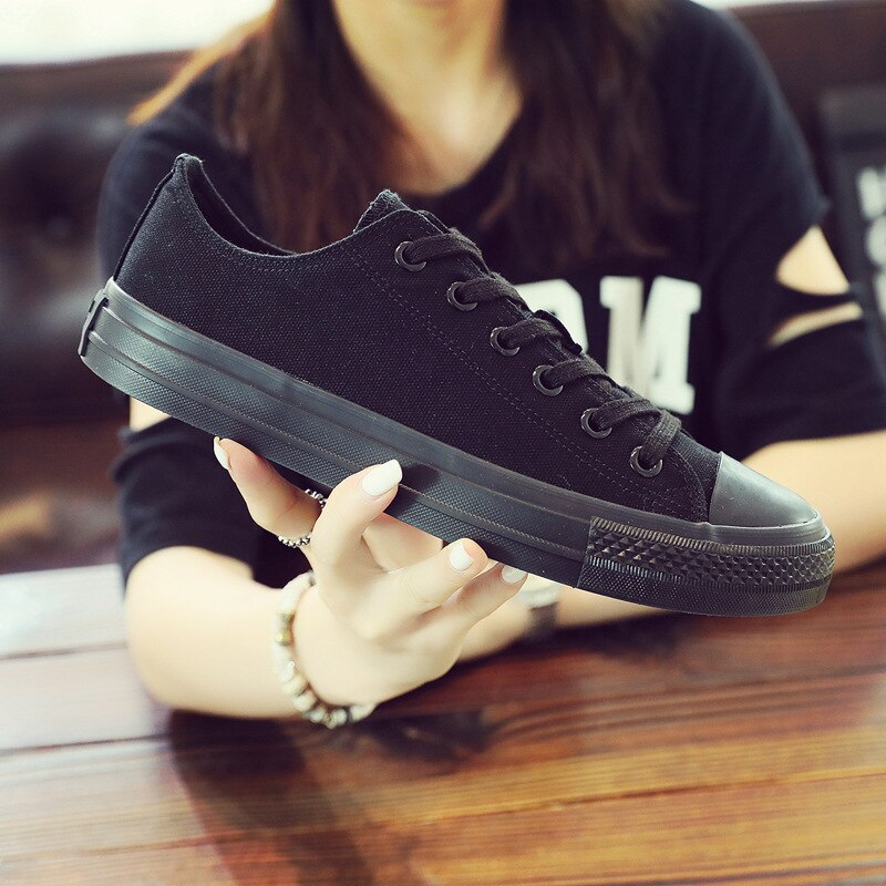 Classic Lace up Vulcanized Men Sneakers