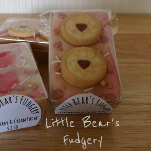 Strawberry & Cream Fudge Bar With Jammy Hearts - Little Bear's Fudgery