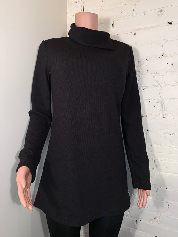 Ruelle Triangle Black Tunic