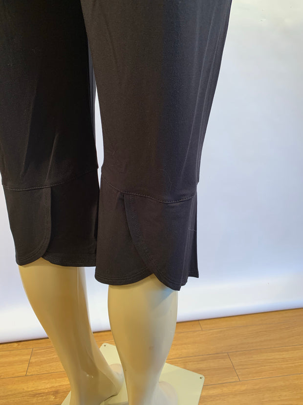 Pretty Woman Pull On Black Bamboo Capris