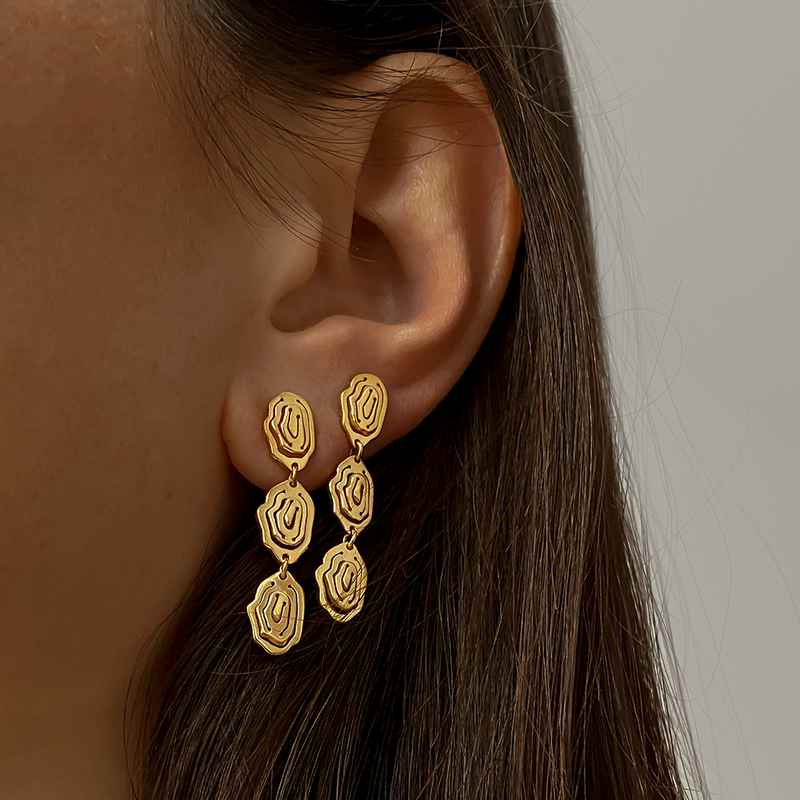 Elena Trio Drop Earrings Gold Vermeil - Kay Konecna Studio. Independent jewellery designer based in London. Discover Women's Elena Trio Drop Earrings Gold Vermeil. Visit the official e-store and shop with secure payments and fast worldwide shipping.