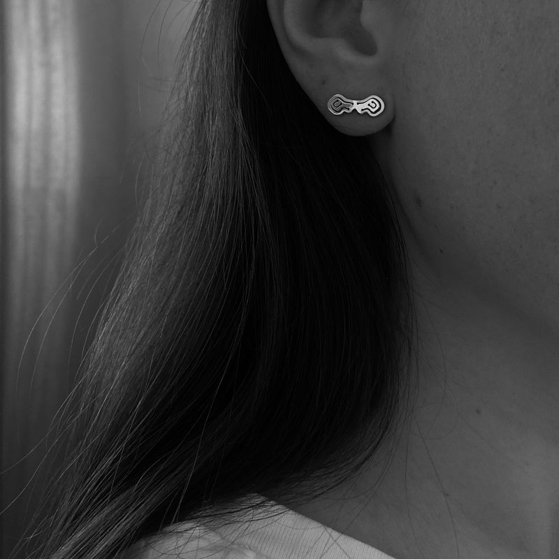 Pia Toggle Bar Single Stud - Kay Konecna Studio. Independent jewellery designer based in London. Discover Women's Pia Toggle Bar Single Stud. Visit the official e-store and shop with secure payments and fast worldwide shipping.