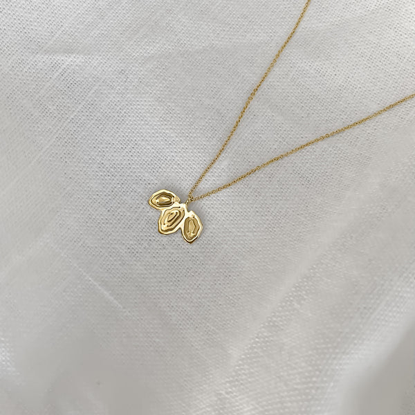 Ora Crescent Pendant Gold Vermeil - Kay Konecna Studio. Independent jewellery designer based in London. Discover Women's Ora Crescent Pendant Gold Vermeil. Visit the official e-store and shop with secure payments and fast worldwide shipping.