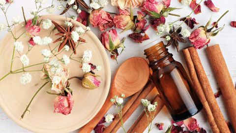 cinnamon essential oil blend with rose and anise