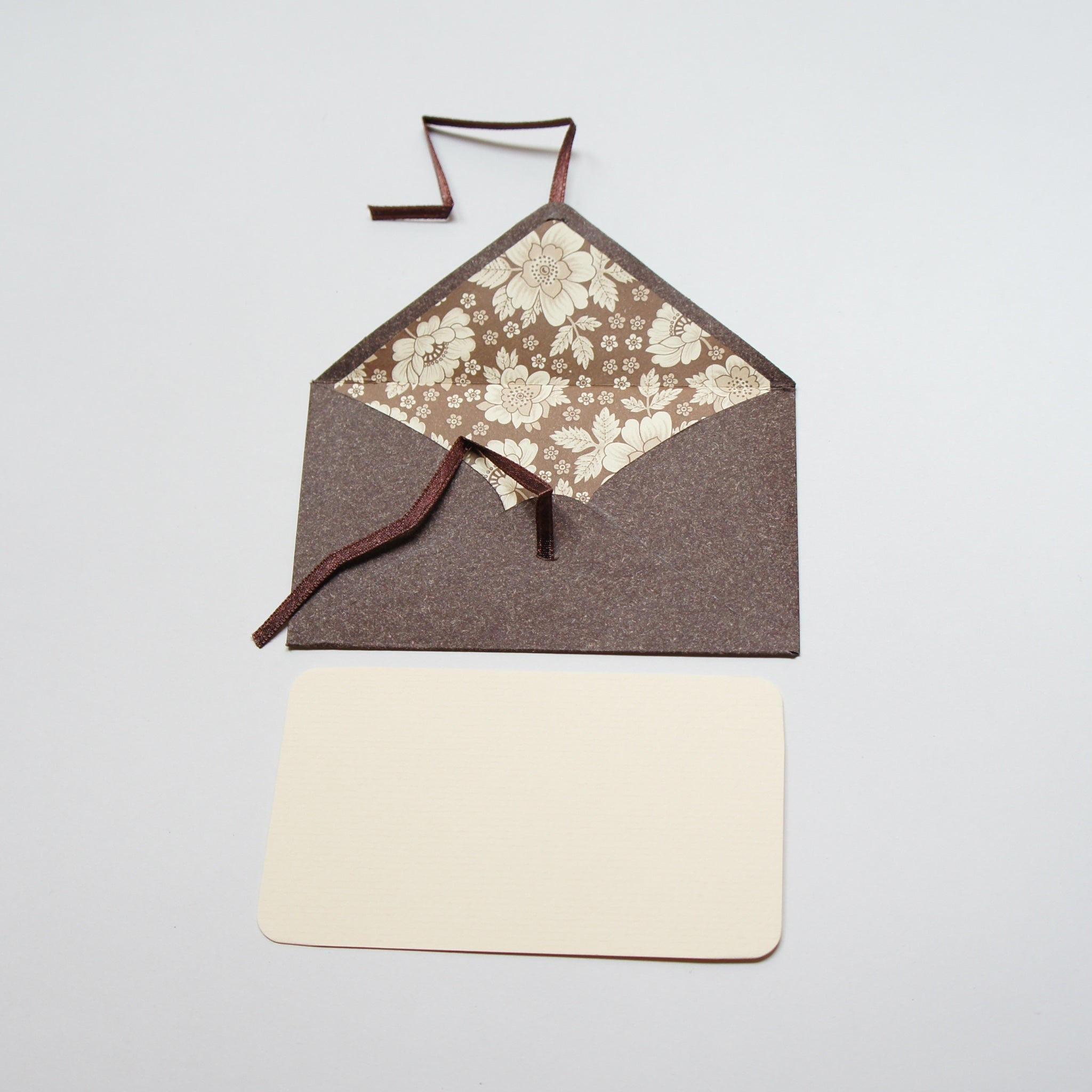 Small Charming Envelope and Note Card with a Secret