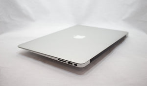 MacBook Air (13-inch, Early 2015) 1.6GHz i5 - 8/4GB RAM - 128GB SSD