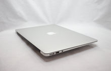 Load image into Gallery viewer, MacBook Air (13-inch, Early 2015) 1.6GHz i5 - 8/4GB RAM - 128GB SSD