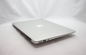 MacBook Air (13-inch, Early 2014) 1.4 GHz Intel i5 - 4GB RAM - 120GB SSD