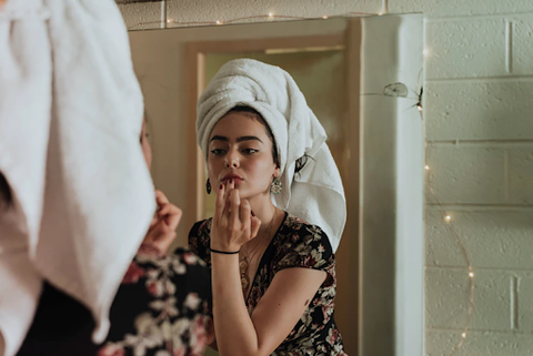 Morning Skincare Routine for Oily Skin - iPharmaHome Pharmacy Online