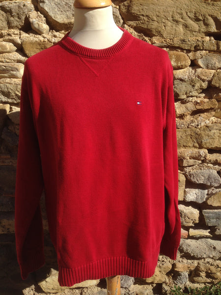 Red Hilfiger knit (L/XL)