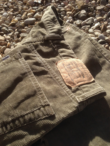 Olive Levi's corduroy Trousers