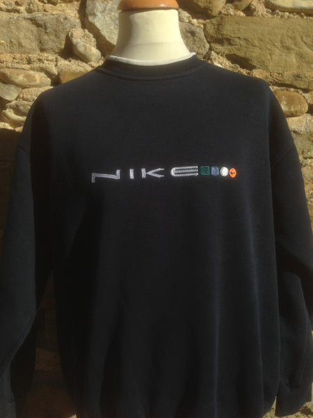 Vintage Nike shapes Sweater