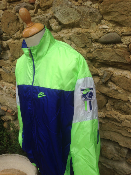 Vintage Nike International Windbreaker (M)