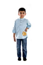 Boys' Blue Linen Kurta Shirt With Giraffe Motif