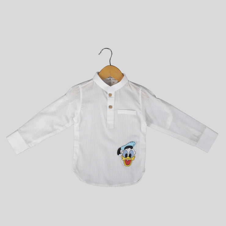 Giza Cotton White Casual Shirt For Boys With Donald Duck Motif Encrusted With Swarovski Element