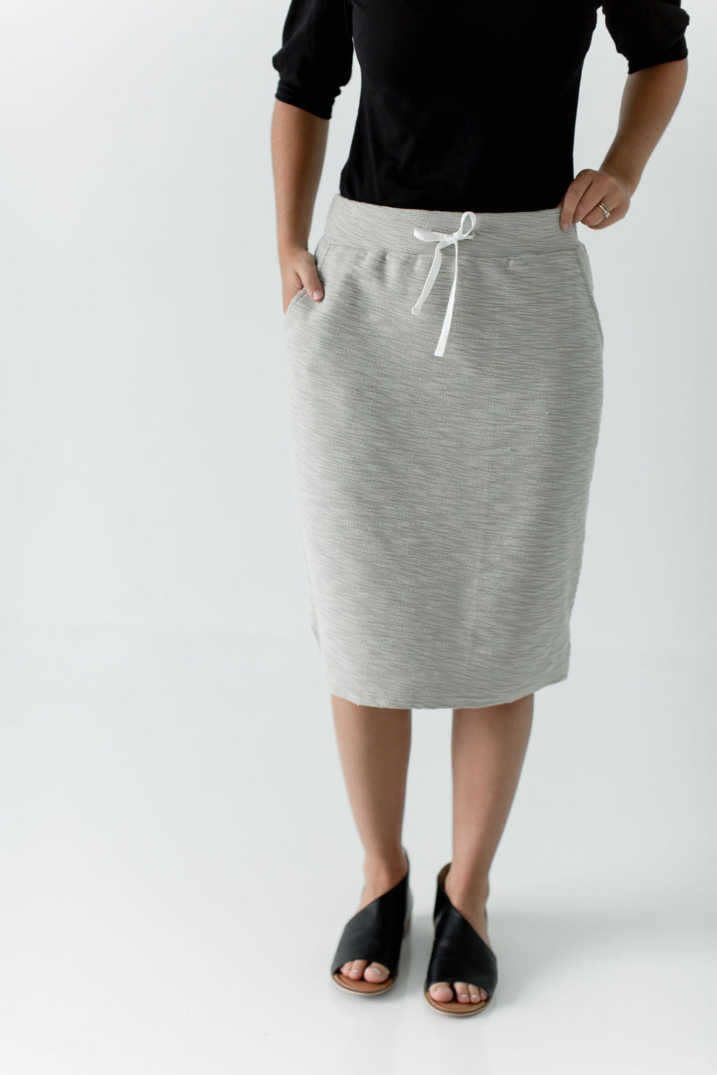 'Lauren' Everyday Skirt in Taupe