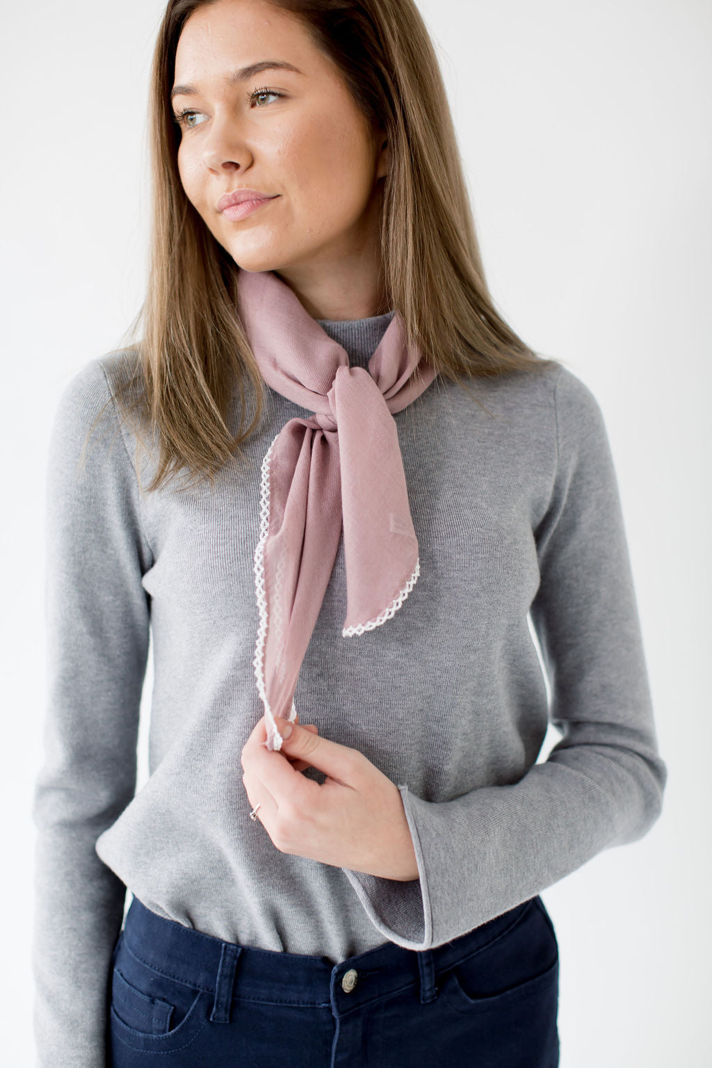 Scallop Stitch Neck Scarf in Mauve