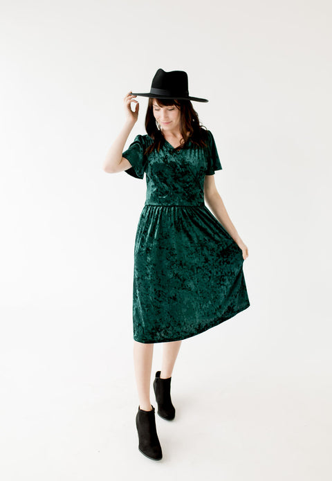 'Noelle' Velvet Dress in Emerald Green