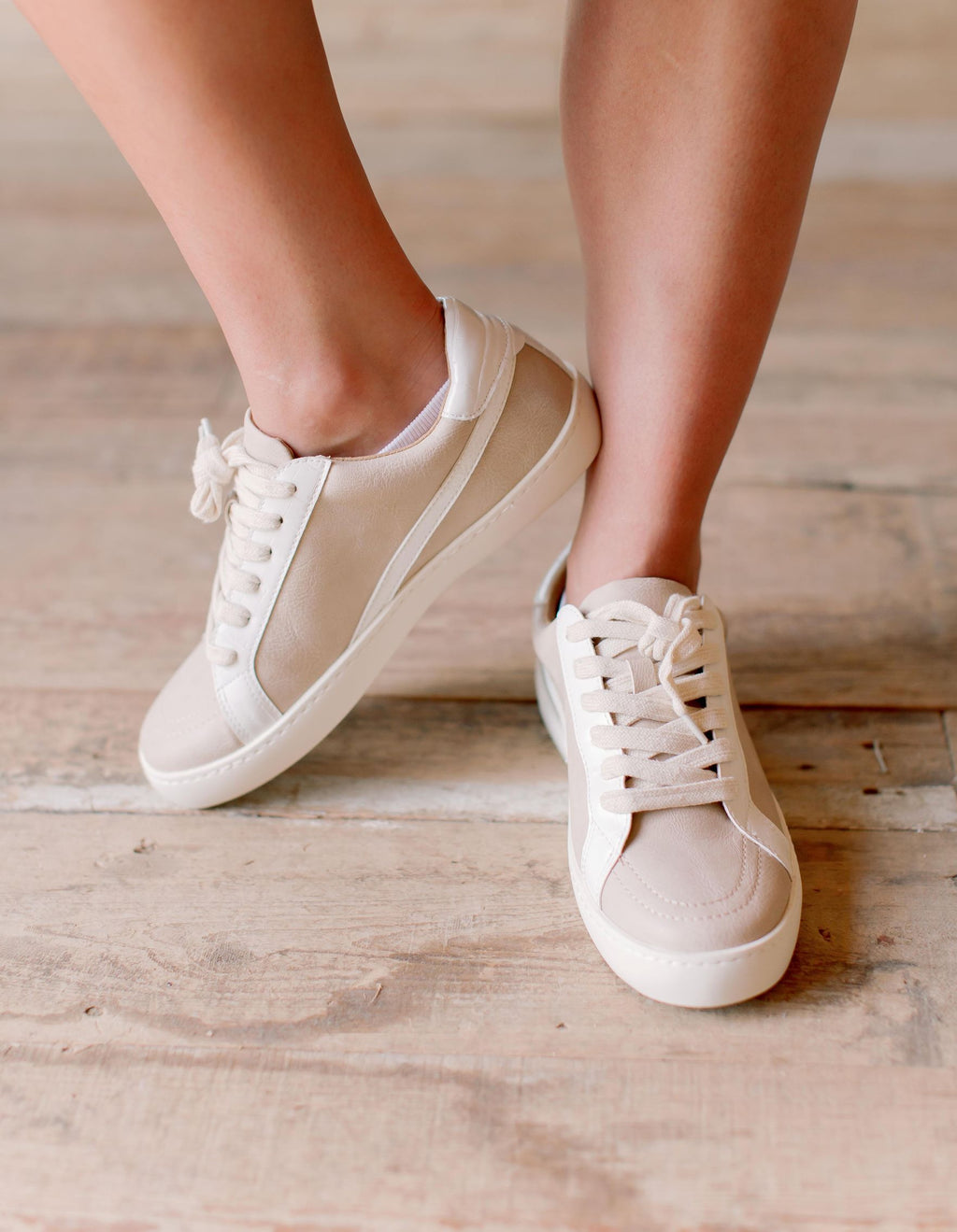 Low Top Sneakers in Rose
