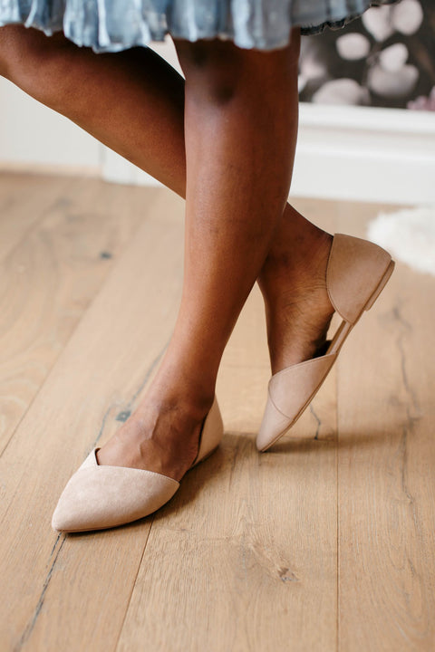 'Manhattan' Pointed Toe Flats in Taupe