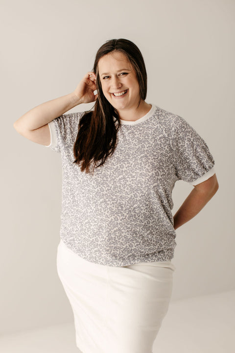 PLUS 'Vera' Top in Light Grey Floral