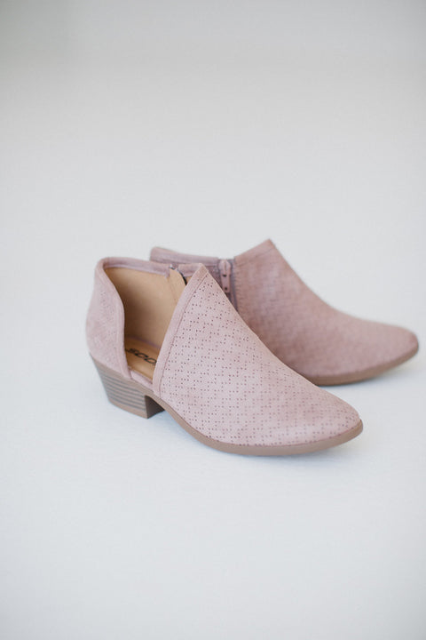 Textured Bootie in Blush