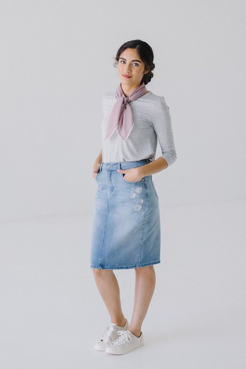 'Avery' Light Denim Skirt