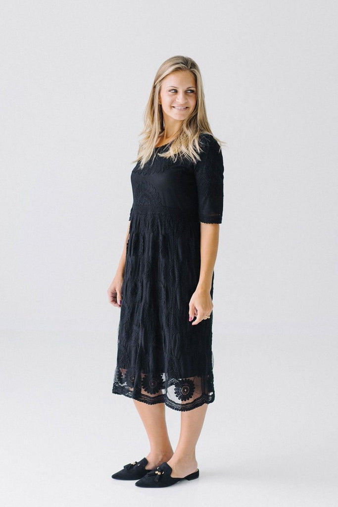 'Juliette' Lace Dress in Black