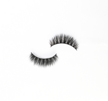 Load image into Gallery viewer, Luxury 3D Silk Eyelashes