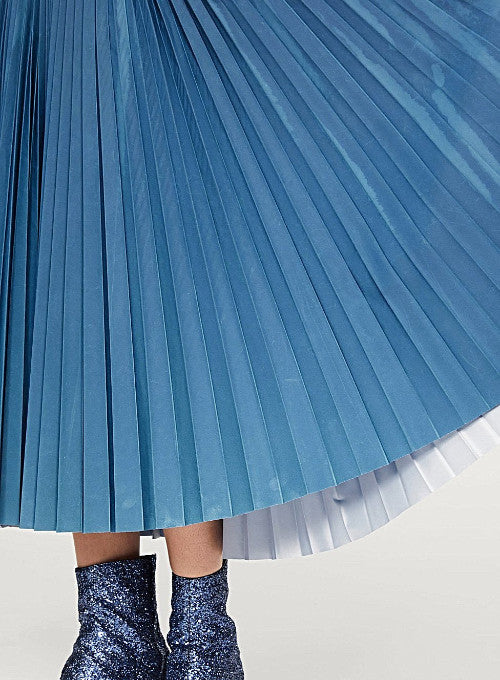 MAISON MARGIELA | Reflective Pleated Skirt in Blue