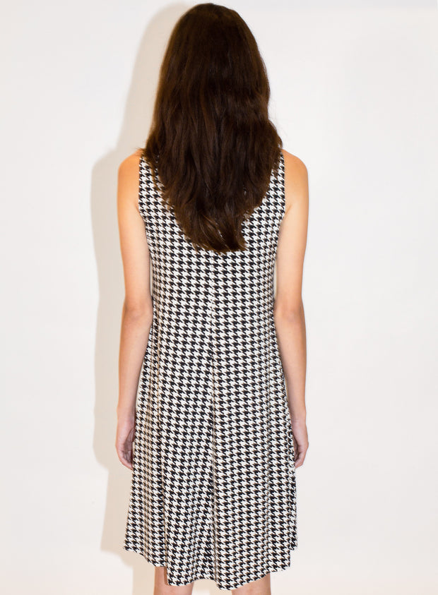 NORMA KAMALI | Sleeveless Swing Dress in Check