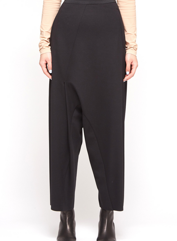 MM6 | Cropped Asymmetrical Pant in Black
