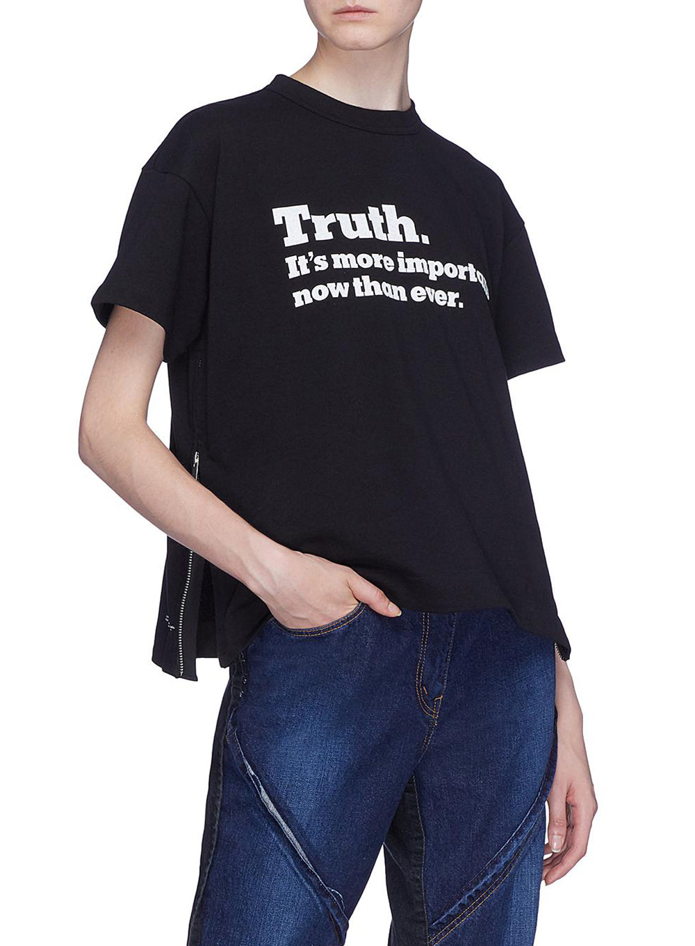 "SACAI | The New York Times ""Truth"" Cotton T-shirt in Black"
