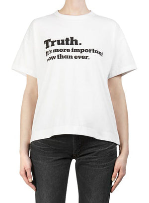 "SACAI | The New York Times ""Truth"" Cotton T-shirt in White"